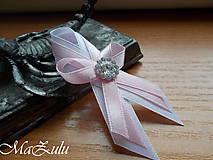 svadobné pierko ružovoBiele