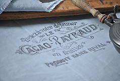 Úžitkový textil - ľanová štóla s vintage motívom (sivomodrá) - 8893193_