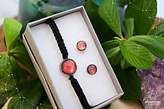 Sady šperkov - Makramé náramok a náušnice s dichroickým sklom - 8893331_