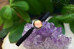Sady šperkov - Makramé náramok a náušnice s dichroickým sklom - 8893333_