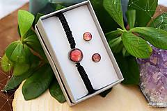 Sady šperkov - Makramé náramok a náušnice s dichroickým sklom - 8893336_