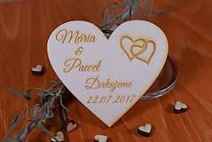 Gravírovaná drevená svadobná magnetka ako darček na redový tanec 102