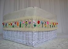 Košíky - Box ihravý s ručnou 3D výšivkou - 8894016_