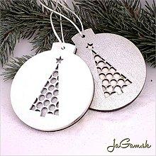 Dekorácie - Vianočná ozdoba 8 cm 1ks (dv1056bs) (strieborná s bielym podkladom) - 8899228_