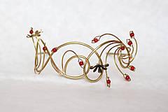 Ozdoby do vlasov - Jedinečná mosadzná čelenka s čiernymi kvetmi a červenými jadeitmi - Slavianka - 8899509_