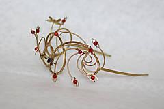 Ozdoby do vlasov - Jedinečná mosadzná čelenka s čiernymi kvetmi a červenými jadeitmi - Slavianka - 8899511_