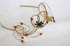 Ozdoby do vlasov - Jedinečná mosadzná čelenka s čiernymi kvetmi a červenými jadeitmi - Slavianka - 8899513_