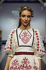 Náušnice - Mosadzné dlhé čierne kvetinové náušnice s čiernym achátom - Slavianka - 8899710_