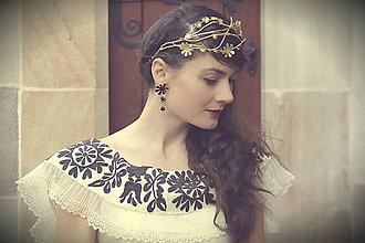 Náušnice - Mosadzné dlhé čierne kvetinové náušnice s čiernym achátom - Slavianka - 8899705_