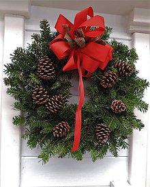Dekorácie - Prírodný vianočný veniec (s mašľou) - 8899346_