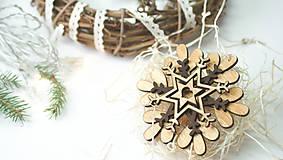 Dekorácie - Drevená vianočná vločka C - 8897938_