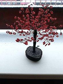 Dekorácie - Velky cerveny stromcek stastia - 8899833_