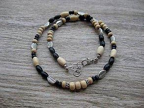 Šperky - Pánsky náhrdelník okolo krku drevený s lístkami č.1657 - 8898889_