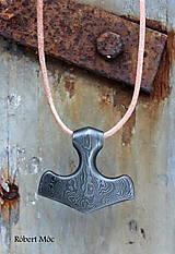 Šperky - Damaškový prívesok Boha hromu - Thórovo kladivo (Mjöllnir) - 8898872_