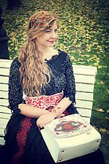 Ozdoby do vlasov - Exkluzívny červený kvietkový venček s prírodnými červenými koralmi - Slavianka - 8902701_