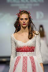 Ozdoby do vlasov - Exkluzívny červený kvietkový venček s prírodnými červenými koralmi - Slavianka - 8902705_