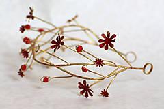 Ozdoby do vlasov - Exkluzívny červený kvietkový venček s prírodnými červenými koralmi - Slavianka - 8902709_