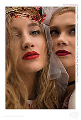 Ozdoby do vlasov - Exkluzívny červený kvietkový venček s prírodnými červenými koralmi - Slavianka - 8902711_