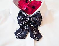 Náhrdelníky - Dámsky modrotlačový motýlik - 8904779_