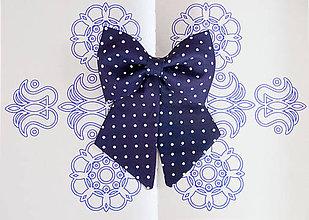 Náhrdelníky - Dámsky modrotlačový motýlik II. - 8904173_