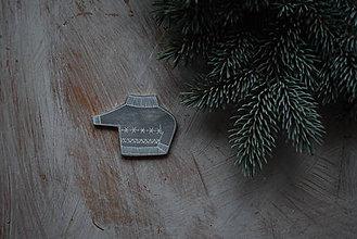 Odznaky/Brošne - Svetrík na kabát - 8905902_