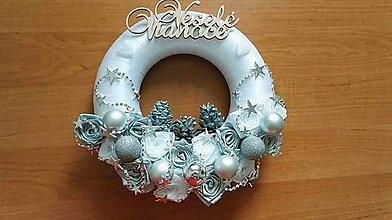 Dekorácie - vianočný veniec - 8906159_