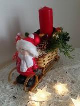 Dekorácie - Vianočný svietnik sánky chlapcek-zlava - 8902415_