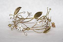 Ozdoby do vlasov - Exkluzívny konárikový biely kvietkový venček s prírodnými bielymi jadeitmi a listami - Slavianka - 8907171_