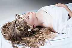 Ozdoby do vlasov - Exkluzívny konárikový biely kvietkový venček s prírodnými bielymi jadeitmi a listami - Slavianka - 8907181_