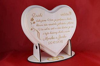 Darčeky pre svadobčanov - Poďakovanie rodičom - lipové srdiečko gravirovane - 8908026_