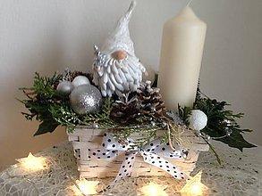 Dekorácie - Vianočný svietnik trpaslik-zlava - 8907116_