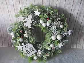 Dekorácie - Vianočný veniec - 8911716_