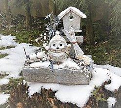 Dekorácie - Zimná dekorácia so sovičkou lyžiarkou - 8917662_