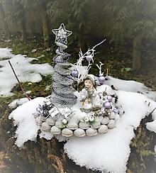 Dekorácie - Zimná dekorácia s anjelikom v kožúšku - 8917763_