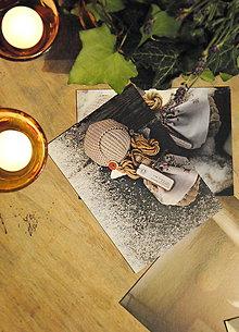 Papiernictvo - pohlednice fuseklačka © - 8915516_