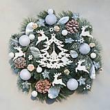 Dekorácie - Vianočný veniec na dvere so stromčekom - 8914597_