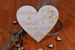 Gravírovaná drevená svadobná magnetka ako darček na redový tanec 105