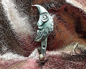 Nábytok - Kovaný vešiak - mesiačik v čiapočke - 8925974_