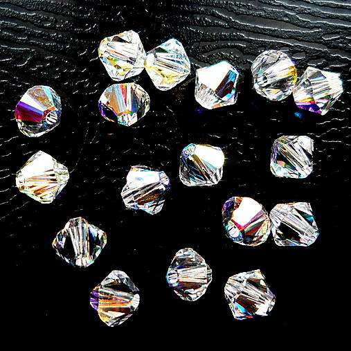 SWAROVSKI® bicone 4mm-1ks