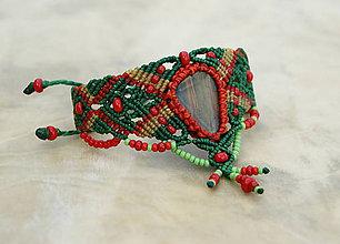 Náramky - Tigrie železo makramé náramok (červená, zelená) - 8924280_