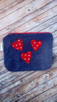 Taštičky - Kozmetická taška  (Riflovina + červené srdiečka) - 8928560_