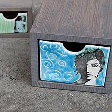 Krabičky - žienka v tyrkysovej - 8929549_