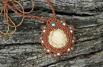 Náhrdelníky - Kremienok (makramé prívesok, amulet, náhrdelník) - 8926940_