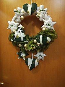 Dekorácie - Vianočný venček so šitými ozdobami - 8930427_