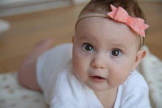 Detské doplnky - Dievčenská nylonová čelenka –  oranžová filcová mašlička - 8934444_