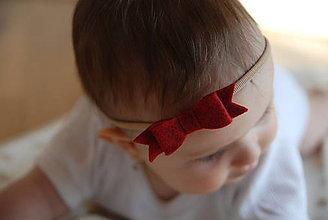 Detské doplnky - Dievčenská nylonová čelenka – červená filcová mašlička - 8934503_