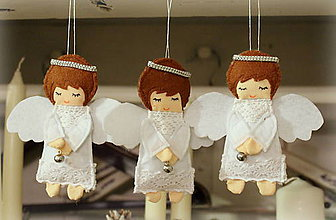 Dekorácie - biely anjel s roľničkou - 8933498_