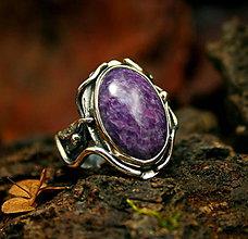 Prstene - Strieborný prsteň s čaroitom - 8934485_