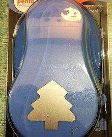 Pomôcky/Nástroje - Kreatívny dierkovač - stromček pr.7,5 cm - 8941263_