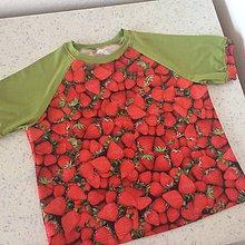 Detské oblečenie - Tričko-jahodové se zelenou vel.146-152 - 8941702_